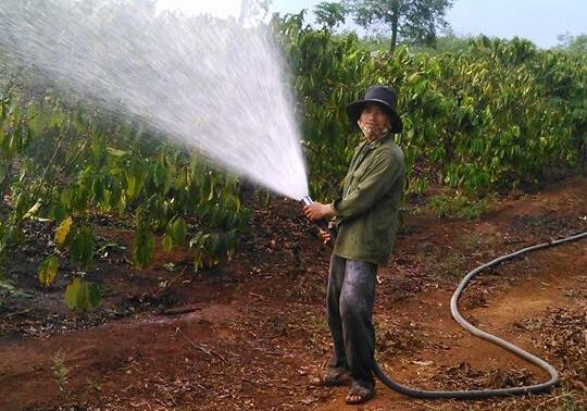 Đầu tưới phun mưa điều chỉnh xa - gần